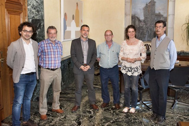 Reunión del consejero con representantes de la Federación Puertas Abiertas.