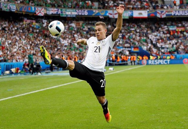 Joshua Kimmich con Alemania