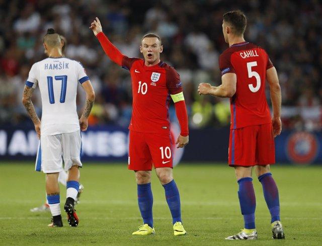 Wayne Rooney Cahill Hamsik Inglaterra Eslovaquia