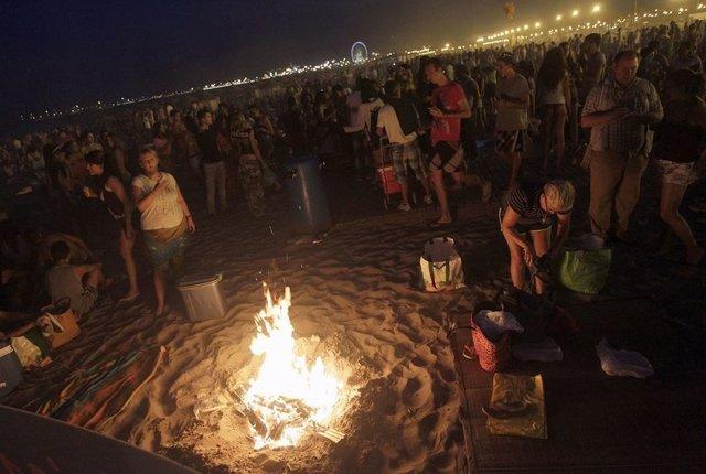 Una de las playas de la ciudad durante la celebración de San Juan