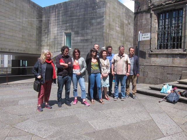 Ferrán Vello con los concejales de cultura de Santiago, A Coruña y Ferrol