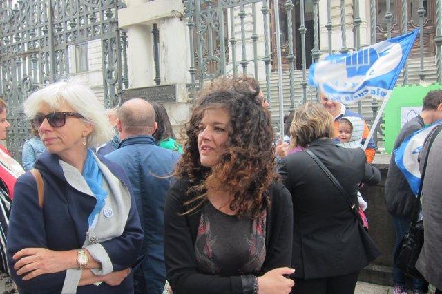 Sofía Castañón (Unidos Podemos), en el centro