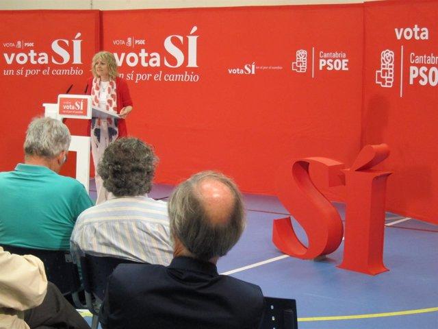 Eva Díaz Tezanos en mitin cierre campaña en Torrelavega