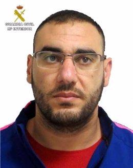 Hombre en busca en Níjar (Almería)