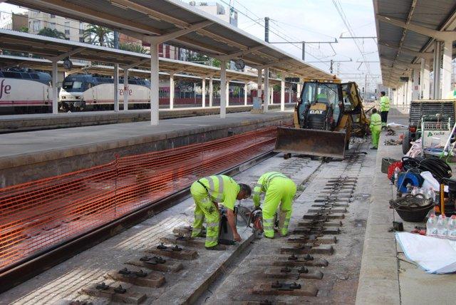 Obras en cuatro vías en la Estación del Norte de Valencia