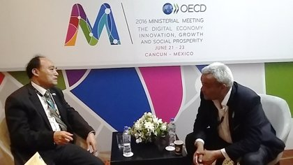 España y la UIT refuerzan su colaboración para el desarrollo de ciudades inteligentes