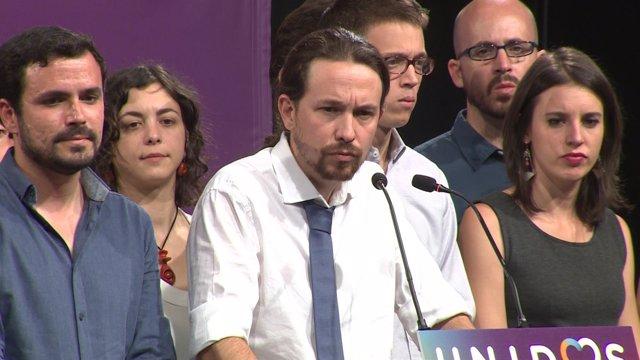 """Iglesias ve """"incompatible"""" una coalición con C's y PSOE"""