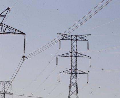La demanda eléctrica creció en 2015 un 1,9%, después de cuatro años de caídas