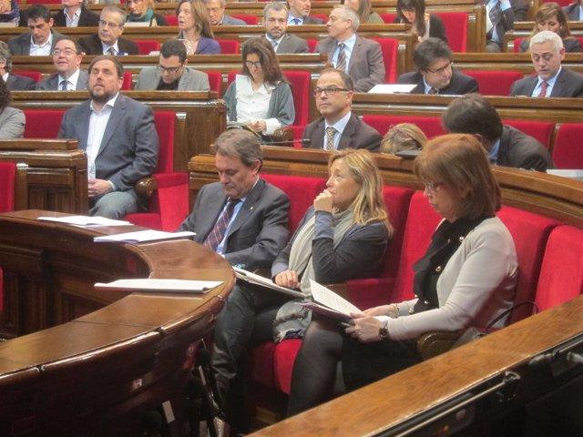 Artur Mas, J.Ortega e I.Rigau, en el Parlament