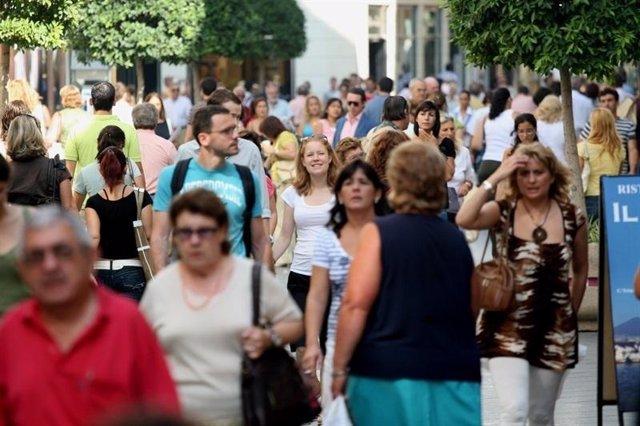 Turistas Por La Calle