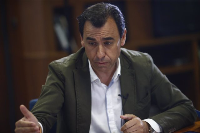El vicesecretario del PP Martínez- Maíllo participa en un debate