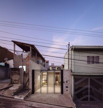 Un hogar de diseño en el interior de una favela en Brasil