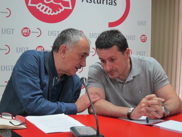 José Álvarez conversa con José Fernández Lanero.