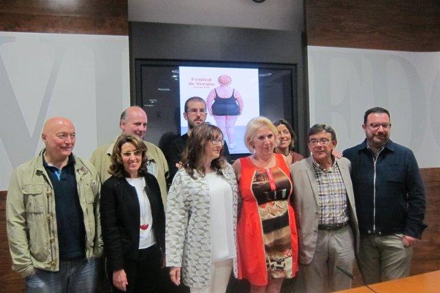Sánchez Ramos Con Los Programadores Y Colaboradores Del Festival De Verano.
