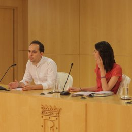 José Manuel Calvo y Rita Maestre en rueda de prensa