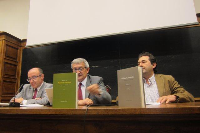 Pela izquierda, Gómez, García y Viejo, mientres  la presentación.