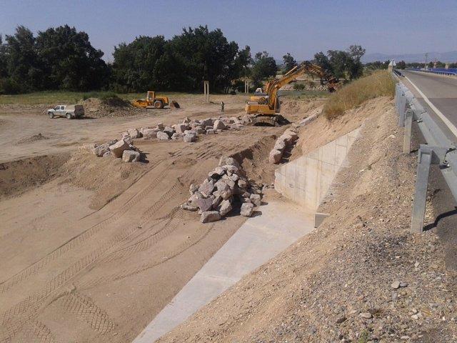 La CHE finaliza las obras por daños de crecidas del Ebro en Cabañas