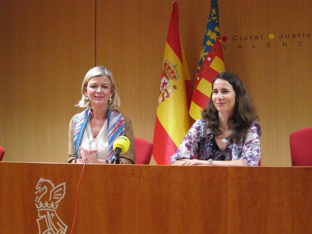 Gabriela Bravo junto a Francisca García en rueda de prensa