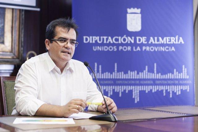 Antonio Jesús Rodríguez ha presentado el PACA 2016 a los medios.