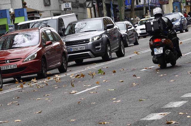 Tráfico, circulación, coches, coche, moto