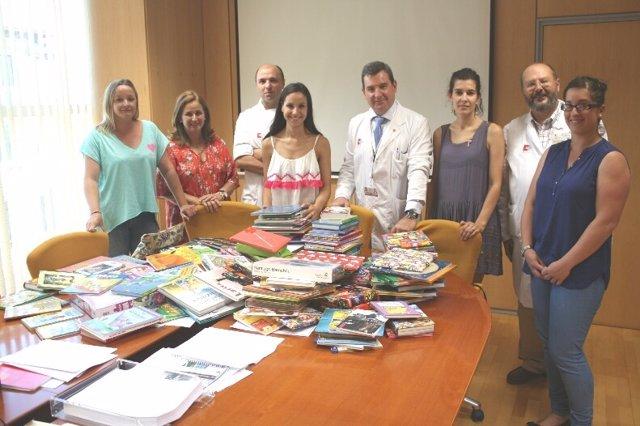 Donación de libros a Valdecilla
