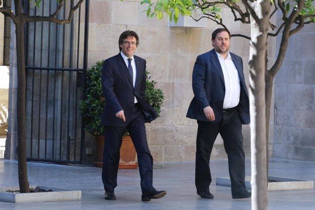 Carles Puigdemont y Oriol Junqueras en la Generalitat en una imagen de archivo.