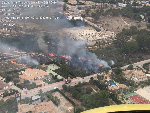 Imagen del incendio declarado en la Alcayna