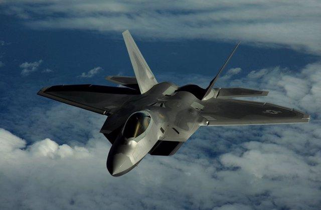 Caza estadounidense F-22