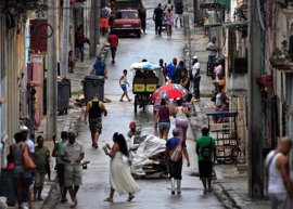 Cuba prevé reducir el consumo de combustible y electricidad en algunas empresas estatales