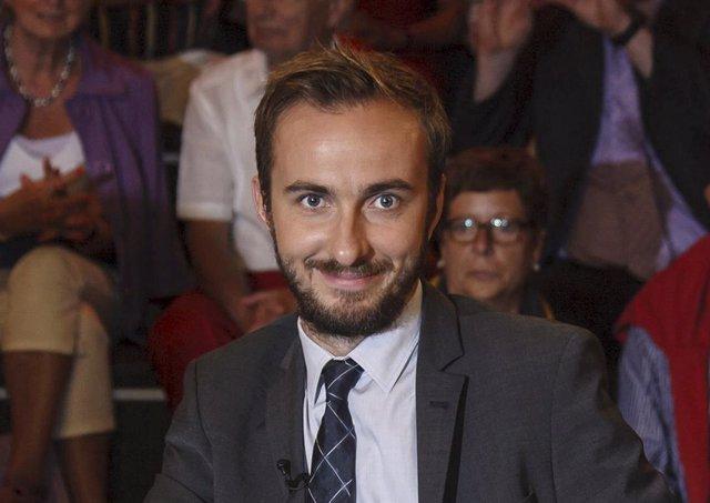 El cómico Jan Boehmermann, responsable del poema ofensivo para Erdogan