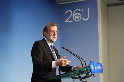 """Rajoy dice que el dato de paro es un """"acicate"""" para llegar a los 20 millones de empleos"""
