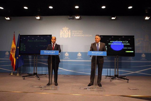 Juan Pablo Riesgo y Tomás Burgos, durante una rueda de prensa