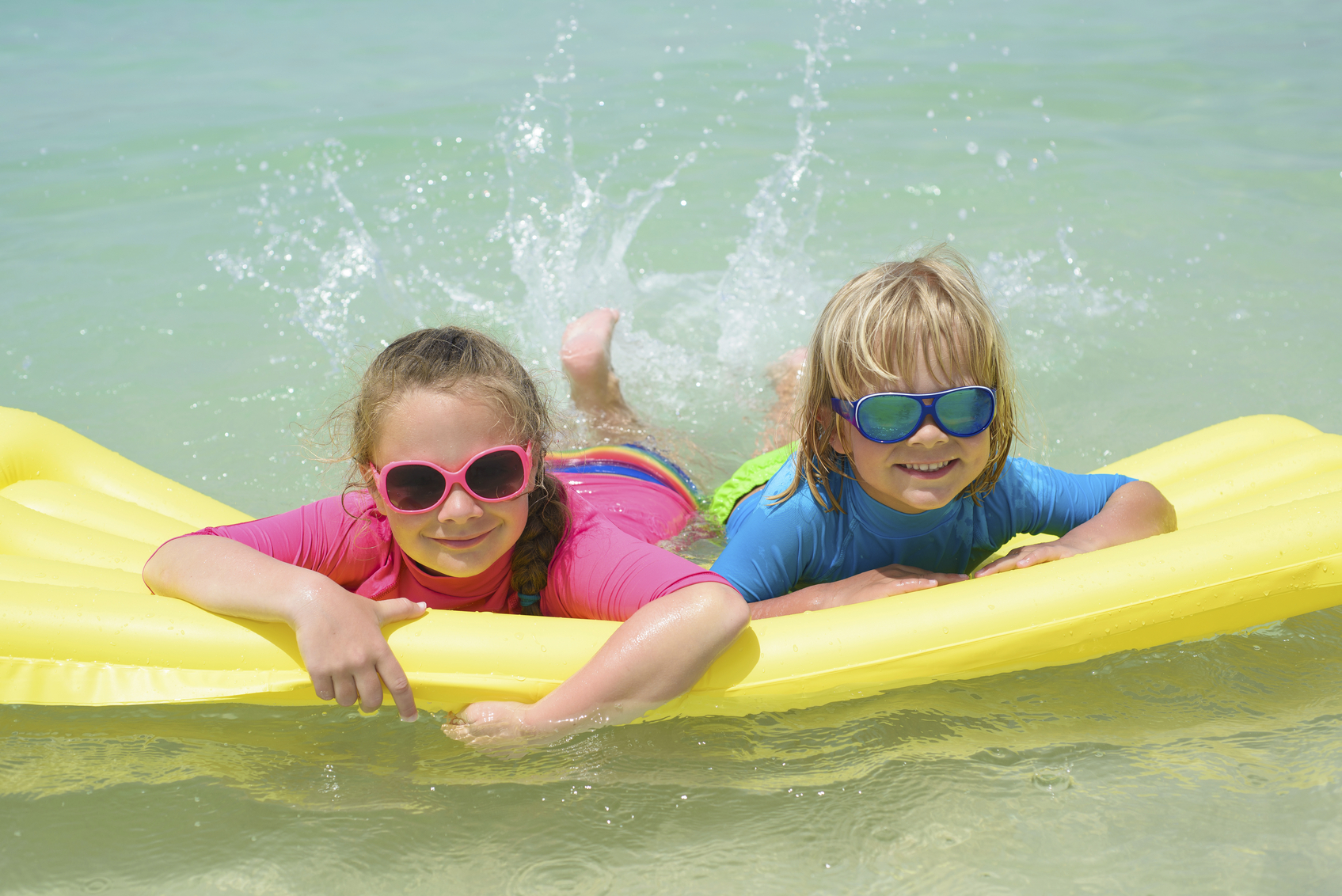 Las gafas de sol de los niños