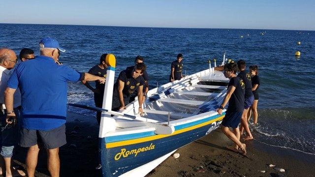 Unicaja colabora con la Asociación de Amigos de la Barca de Jábega