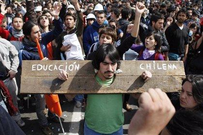Los estudiantes chilenos critican que la gratuidad en la Educación dependa de la economía