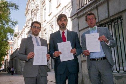 Unos 6.000 productores fotovoltaicos reclaman ante el TS contra la reforma de Soria