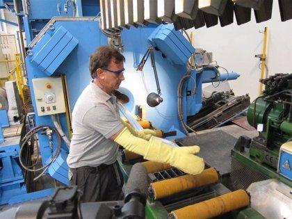 La producción industrial modera su avance en mayo hasta el 4%