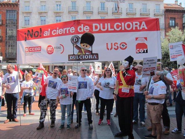 Manifestación en defensa de los puestos de trabajo de Dulciora