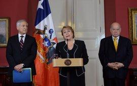 """Bachelet recibe la """"sólida"""" contramemoria de Chile sobre la causa marítima"""