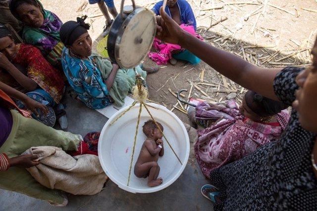 Niño en Etiopía
