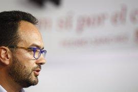 El PSOE no ve posible intentar gobernar con Podemos y C's, porque se vetan mutuamente