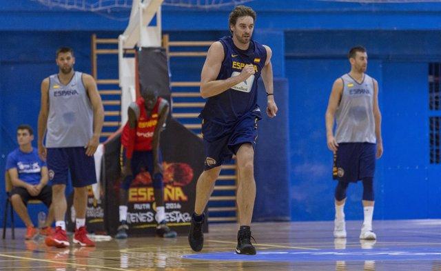 Pau Gasol entrena con la selección española