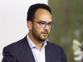 Hernando (PSOE) anuncia que votarán sucesivamente no a la investidura de Rajoy