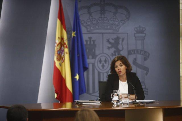 Rueda de prensa de Soraya Sáenz de Santamaría tras el Consejo de Ministros