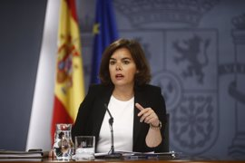 """Santamaría apela a la responsabilidad del PSOE en un """"momento crucial"""""""