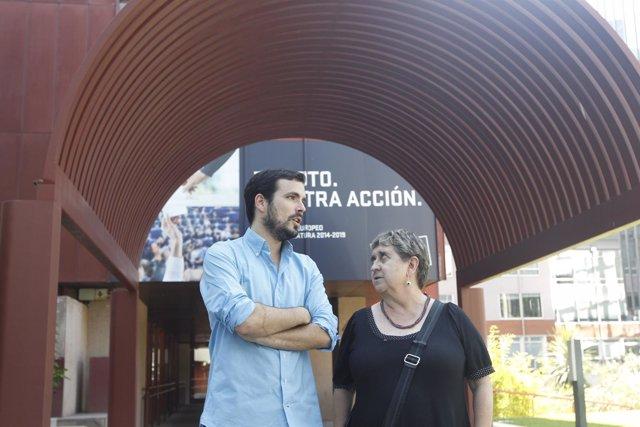 Alberto Garzón y Maite Mola