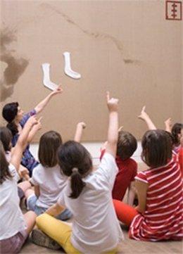 Sesión de arte con niños en la Fundació Tàpies