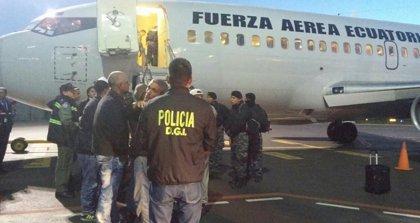 Ecuador deporta a 29 cubanos que no justificaron de manera legal su permanencia en el país