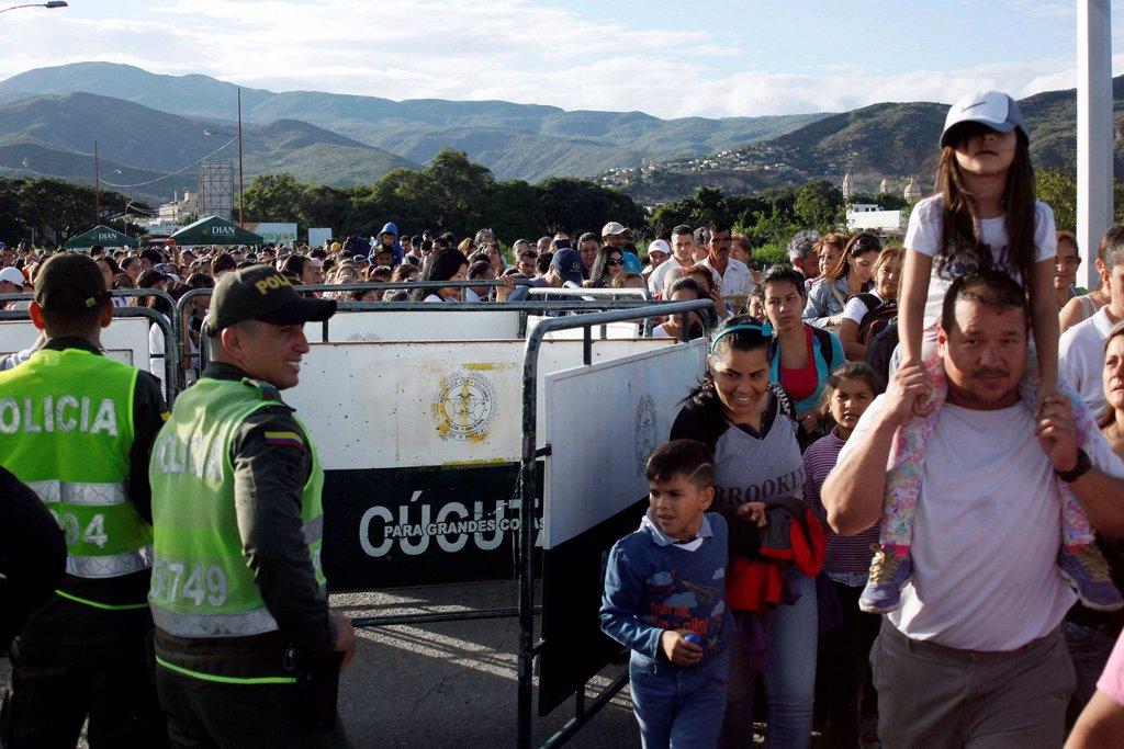 En imágenes: Así se vivió la apertura de la frontera entre ...