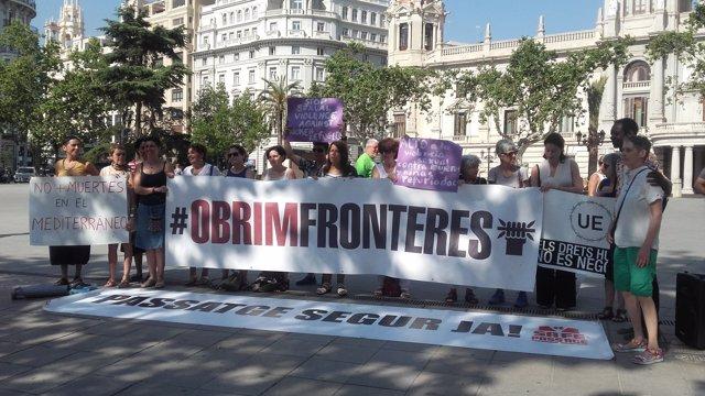 Presentación en Valencia de al iniciativa Caravana a Grecia